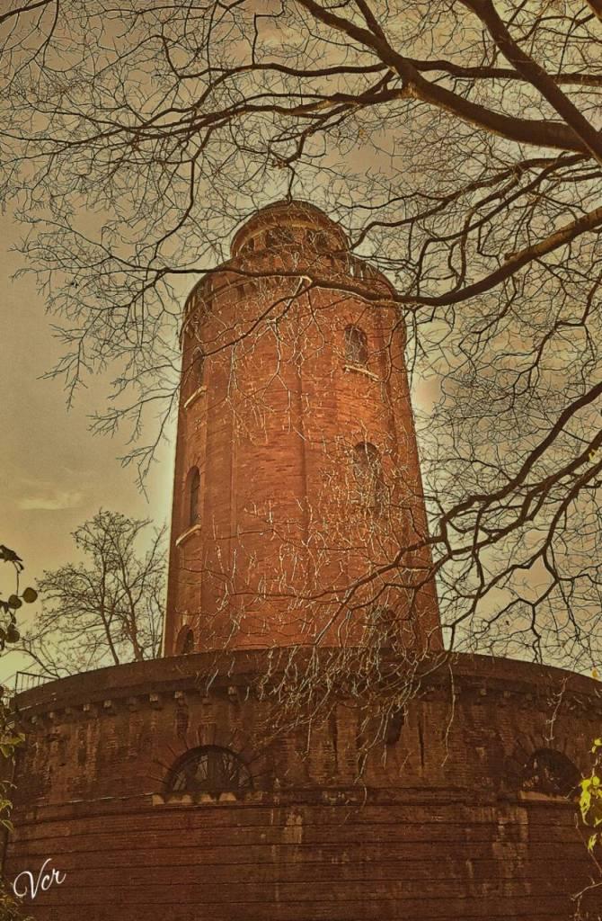 Le chateau d'eau, connu surtout comme monument mémorable de Toulouse.