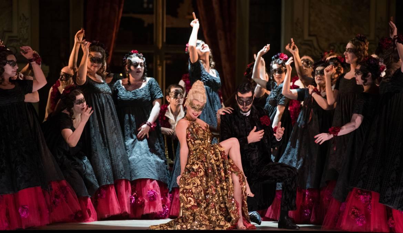 La Traviata - Catherine Trottmann (Flora Bervoix) © Mirco Magliocca