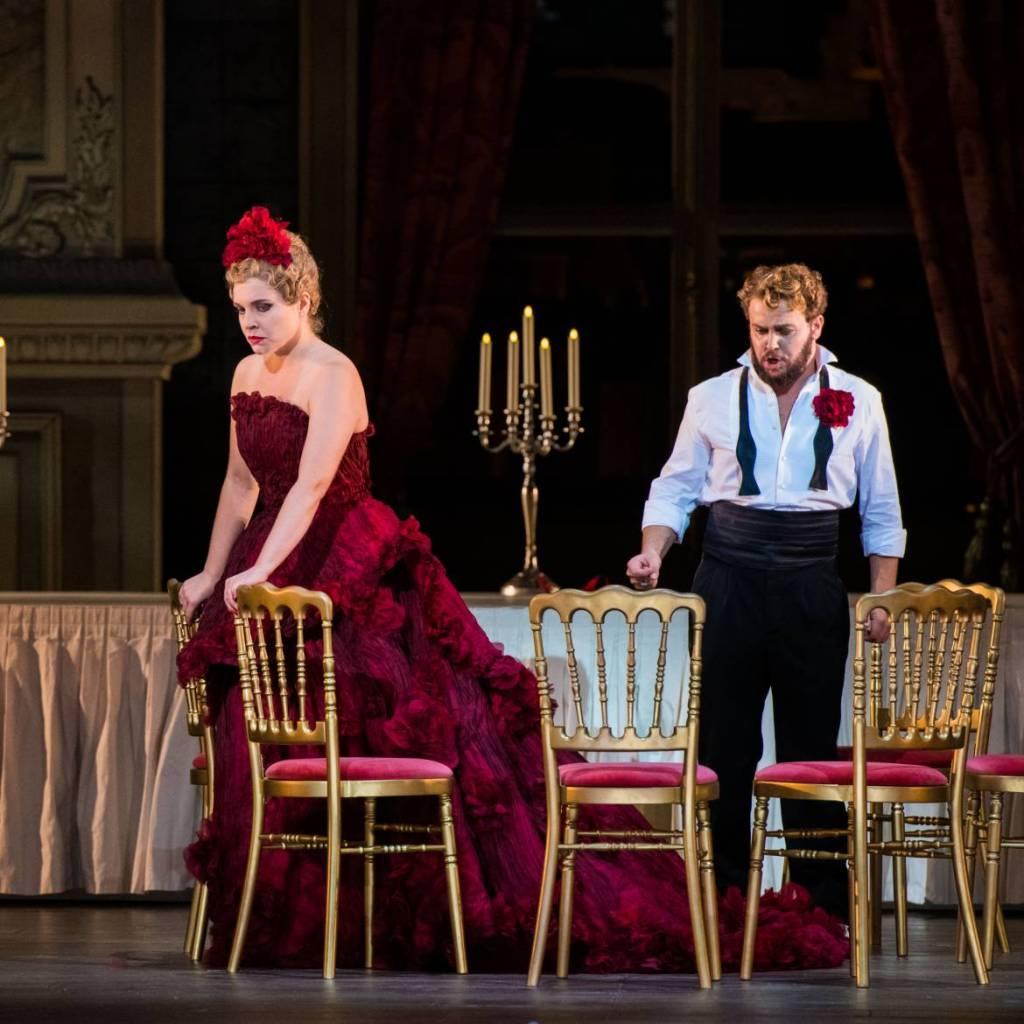 La Traviata Polina Pastirchak (Violetta) Et Kévin Amiel (Alfredo) Crédit Mirco Magliocca