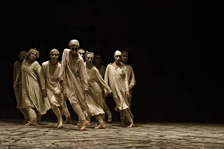 Les comédiens-danseurs (Hervé Deroo)