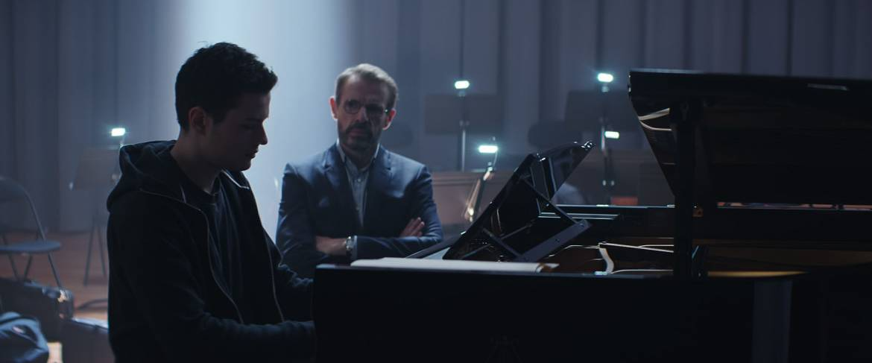 Lambert Wilson et Jules Benchetrit au piano
