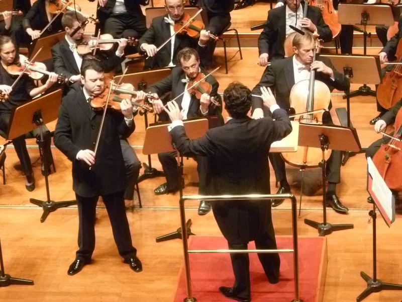 Vadim Gluzman et Tugan Sokhiev lors d'un précédent concert à la Halle aux Grains - Photo Classictoulouse -