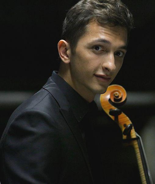 Le violoncelliste Aurélien Pascal - Photo Béatrice Cruveiller -