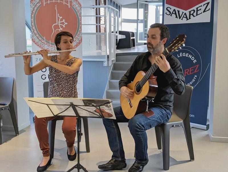 La flûtiste Alice Szymanski et le guitariste Benoît Albert - Photo Classictoulouse