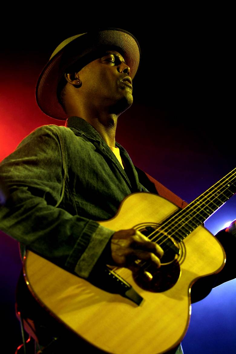 Eric Bibb en concert - photo de Michel Verlinden