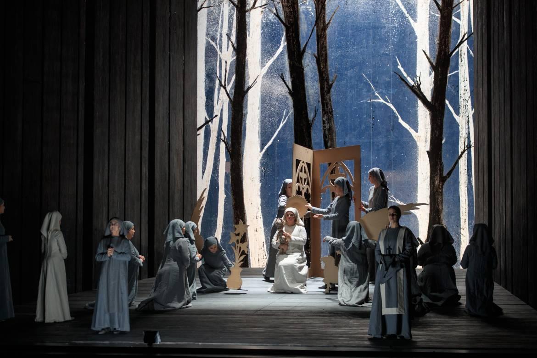 Anaïs Constans (Blanche de la Force), Anaïk Morel (Mère Marie de l'Incarnation) © Patrice Nin