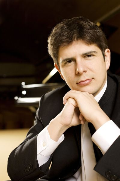 Le pianiste espagnol Javier Perianes - Photo B. Ealovega -
