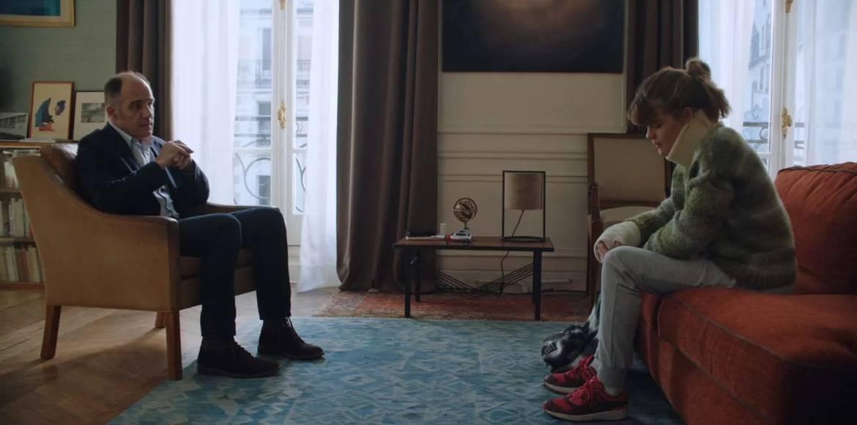 Dayan avec Camille, l'adolescente sportive, interprétée par Céleste Brunnquell