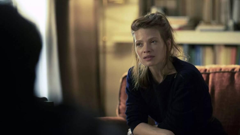 Ariane, la chirurgienne en plein tourment amoureux, interprétée par Mélanie Thierry
