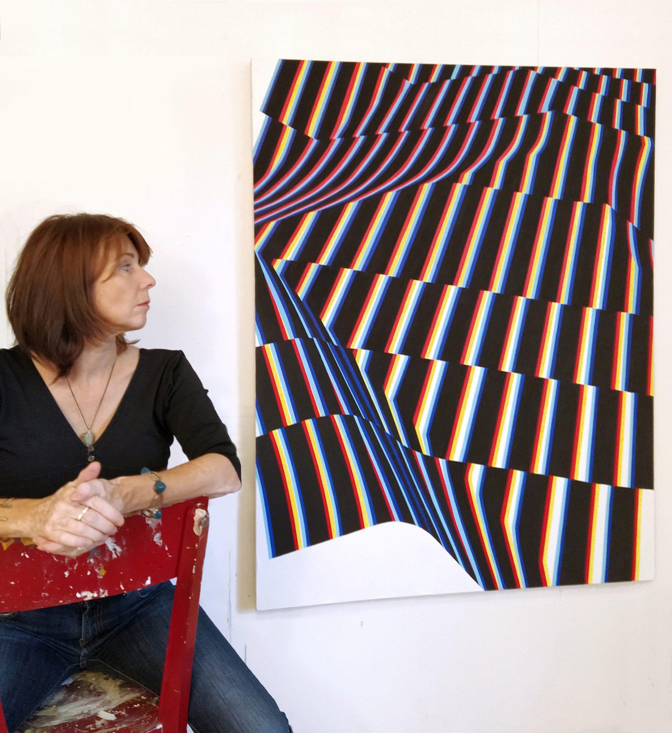 Catherine Branger Devant L'une De Ses Oeuvres Galerie Octobre