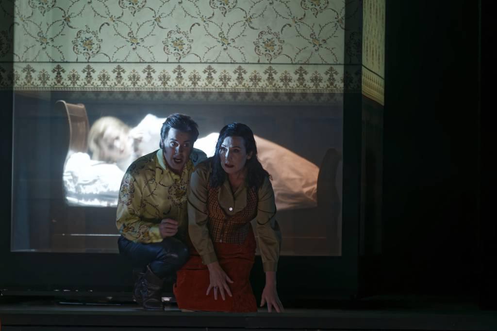 Le Tour d'écrou - Jonathan Boyd (Peter Quint), Janis Kelly (Miss Jessel) © Patrice Nin