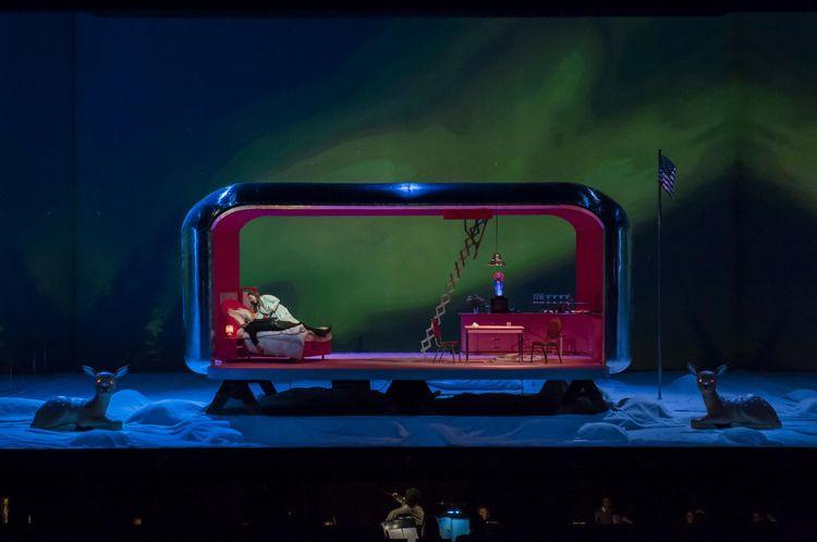 Marco Berti (Dick Johnson) et Nina Stemme (Minnie). (Photo Opéra national de Paris. Charles Duprat )