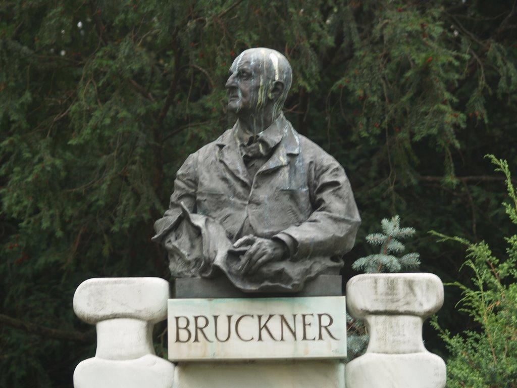 Bruckner © Henrik Lindberg