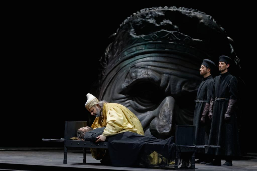 Aquiles Machado (Jacopo Foscari), Sebastian Catana (Francesco Foscari) © Patrice Nin