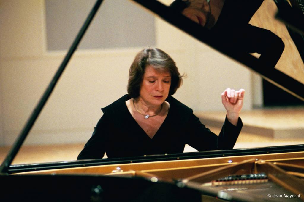 Elisabeth Leonskaja © Jean Mayerat