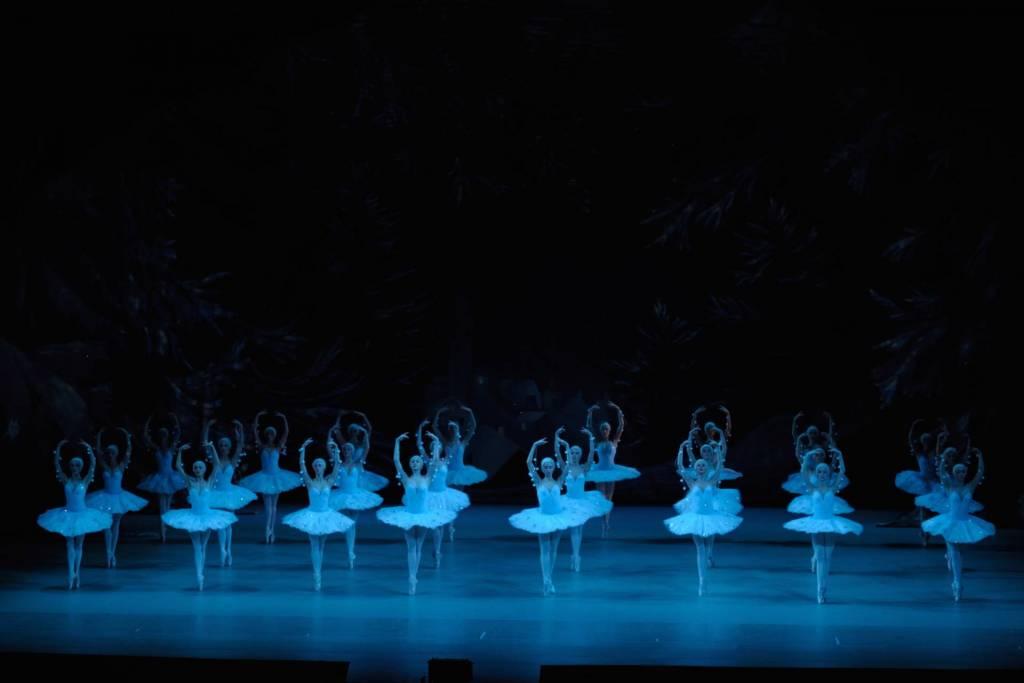 Nutcracker_3D_Dance_of_the_Snowflakes_(c)Valentin_Baranovsky