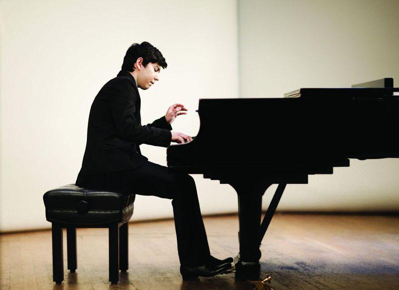 Le jeune pianiste ouzbek Behzod Abduraimov sera le soliste du concerto n° 1 de Tchaïkovski - Photo Decca/Ben Ealovega -