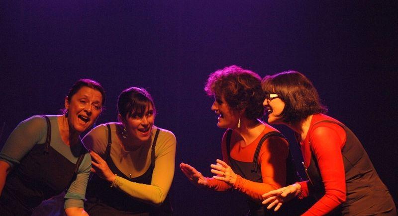 Les chanteuses du groupe vocal Cacimbo