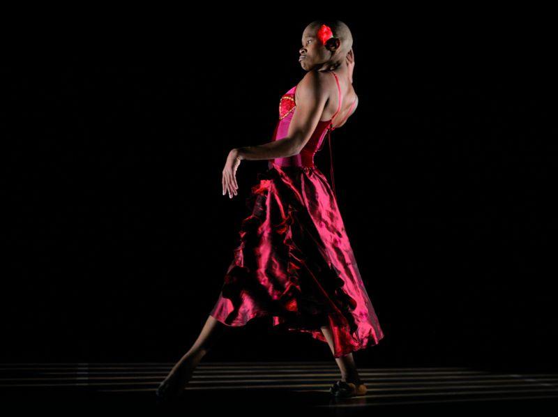 Dada Masilo dans Carmen - Photo John Hogg -