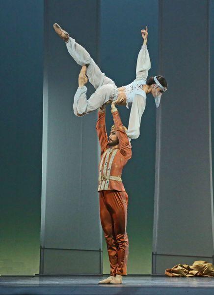 La Ballet Le Corsaire  © Francette Levieux