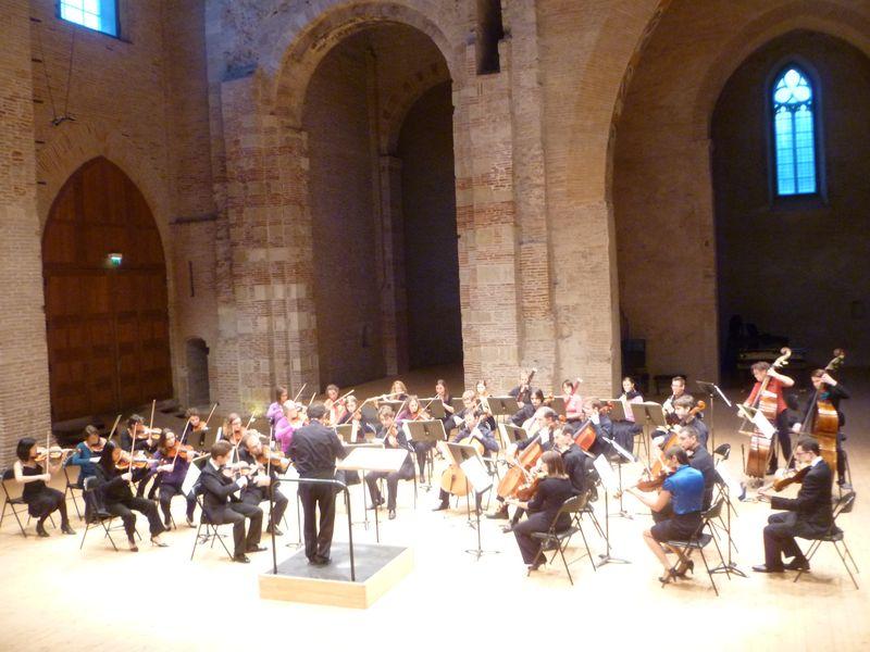 L'Orchestre L'Enharmonie, dirigé par Serge Krichewsky, ,lors d'un précédent concert à Saint-Pierre des Cuisines - Photo Classictoulouse