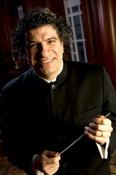 Le chef d'orchestre Giancarlo Guerrero