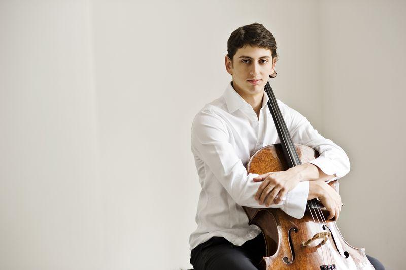 Le jeune violoncelliste arménien Narek Hakhnazaryan sera le soliste des Variations sur un thème Rococo, de Tchaïkovski © Ruth Crafer