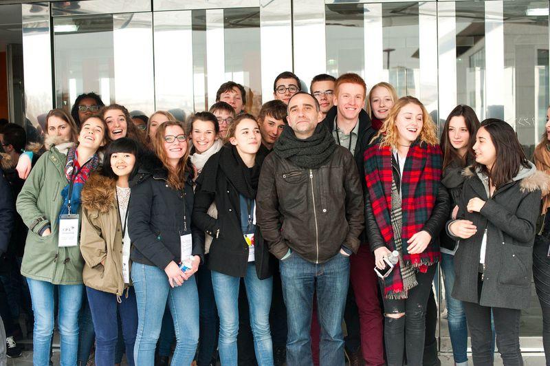 Pierre Jodlowski et quelques uns des lycéens lui ayant attribué leur Prix 2015  - Photo Y. Coupannec -