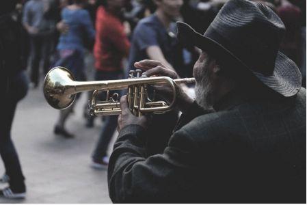 La photo, indissociable de la musique.