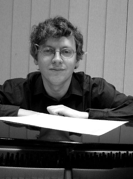 Le chef d'orchestre  Christophe Larrieu