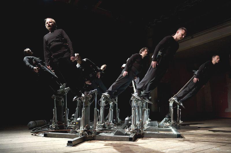 Pendulum Choir