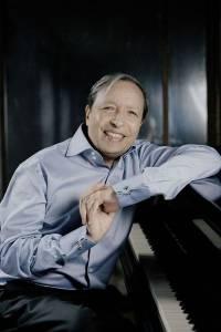Le pianiste américain Murray Perahia qui ouvre la saison des Grands Interprètes - Photo Felix Broede -