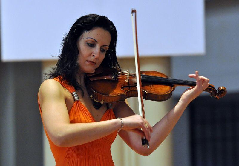 La violoniste Virginie Robilliard sera le soliste des concerts de  l'Orchestre de Chambre de Toulouse