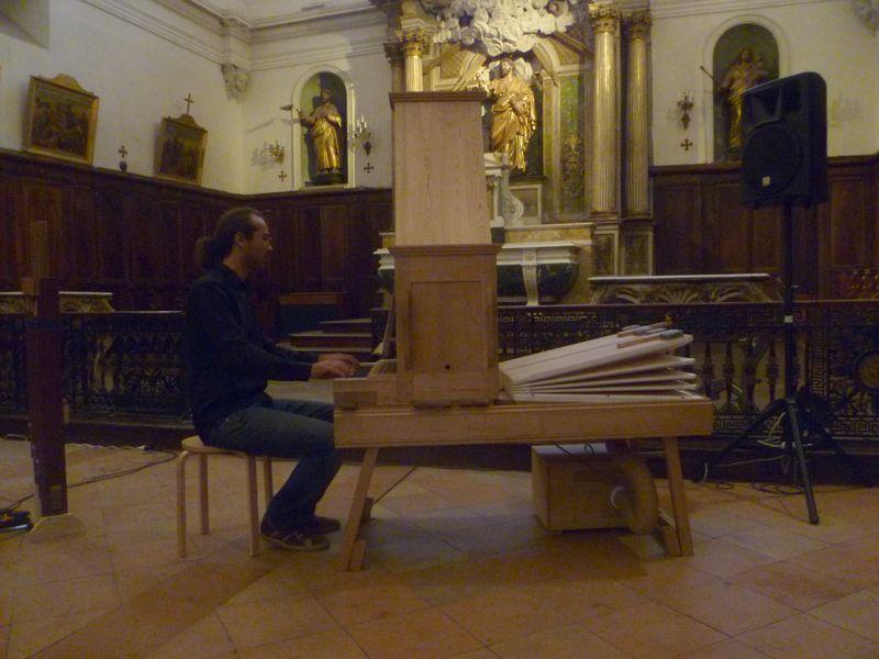 Baptiste Genniaux dans son évocatoin illustrée de l'histoire de l'orgue  - Photo Classictoulouse -