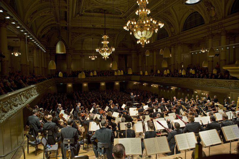 L'Orchestre de la Tonnhalle de Zürich, dirigé par Lionel Bringuier, invité pour la première fois à Toulouse - Photo Priska Ketterer -